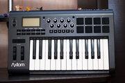 Продам midi-клавиатуру M-Audio Axiom 25 mk2